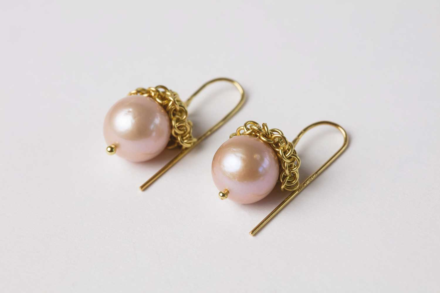 18ct gold and pearl acorn earrings