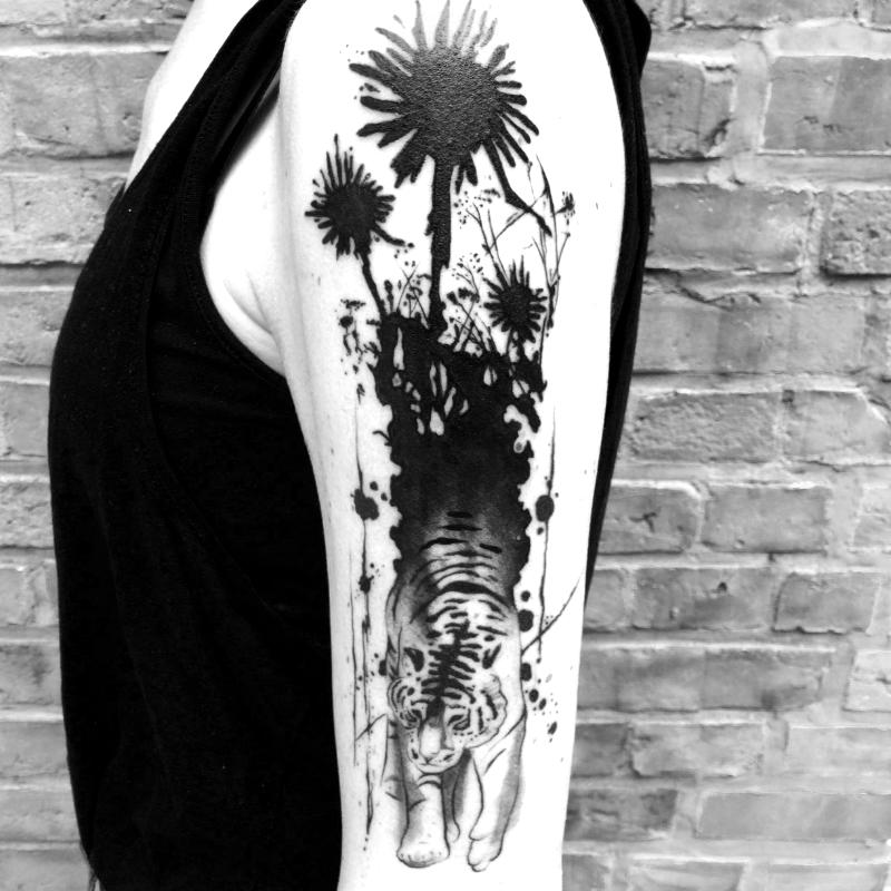 Berlin tattoo artist tiger Blut und Eisen black dark dotwork graphic ink Ivan Antikapratika