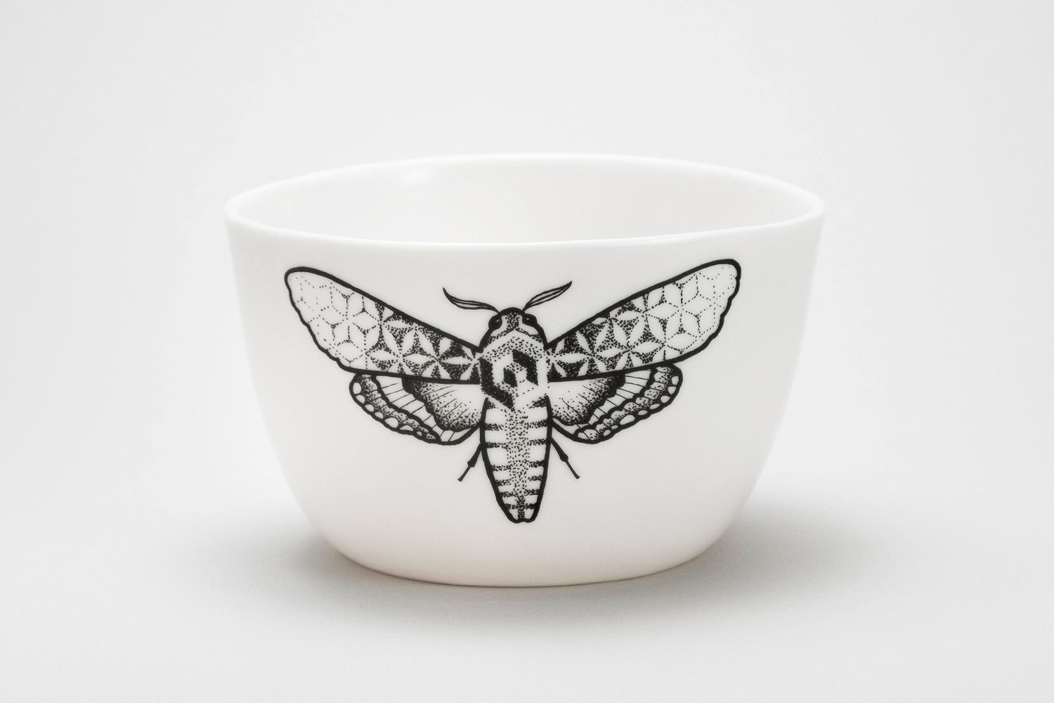 Large bowl porcwlain Berlin white handamde ceramic moth tattoo geomteric dots  Black lines antikapratika.jpg