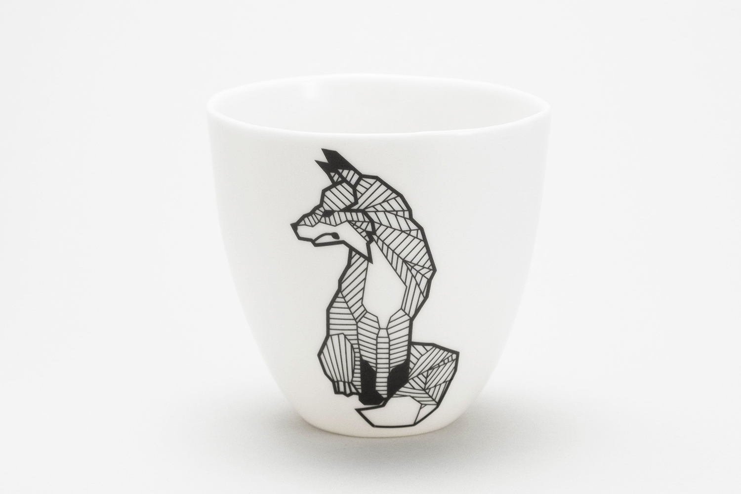 fox tattoo mug porcelain handmade Berlin style best tattoo artist handmade Germany Antikapratika manufacture .jpg