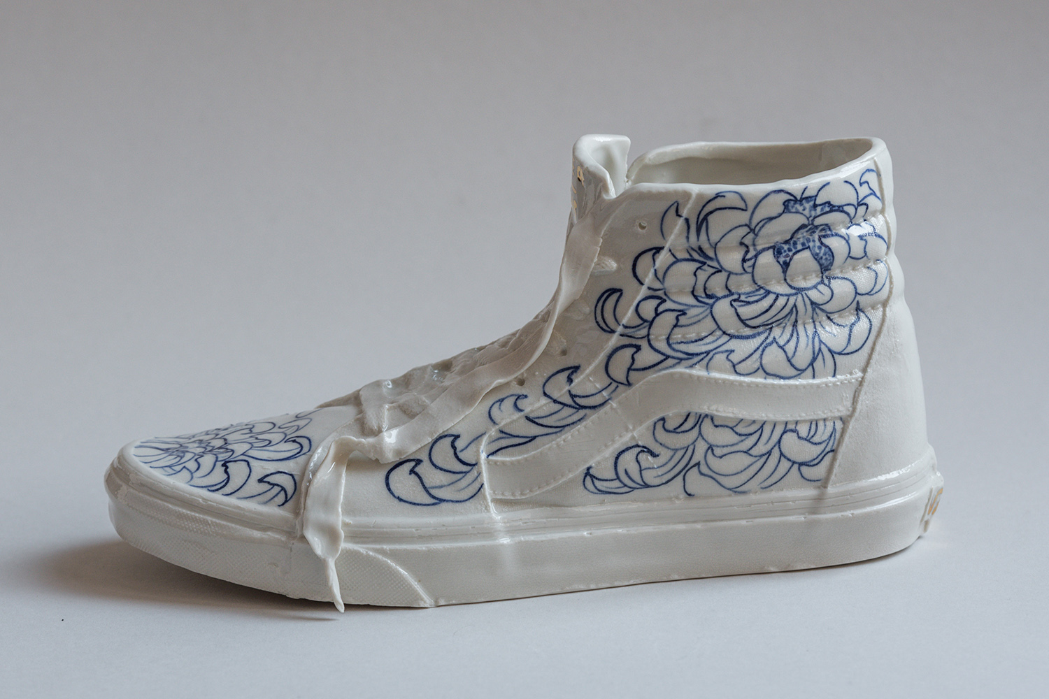 Vans porcelain hand painted ceramic blue chrysanthemum tattoo handmade Berlin art Marta ANtikapratika.jpg