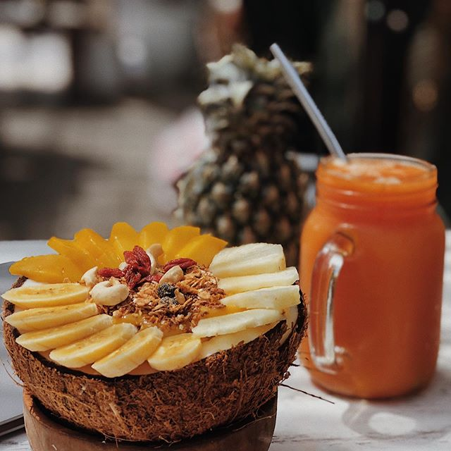 Can I eat like this every day for the rest of my life please, thank you 🙏🏼 @cafeorganicbali 's copacabana bowl with creamy coconut, pineapple, mango, banana and a hell of a lot of granola. Living the dream 🍍 • • • • • #balivin #balifoodies #foodie #smoothiebowl #healthyfood #baliguide #beautifulbali #balilifestyle #balibrunch #infobali #canggu #balicafe #balivibes #balibible #balilifefood