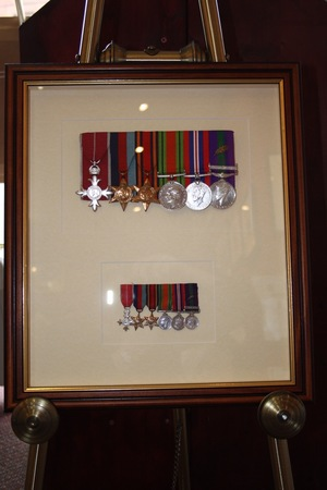 hampshire-picture-framing-medals-015.jpg