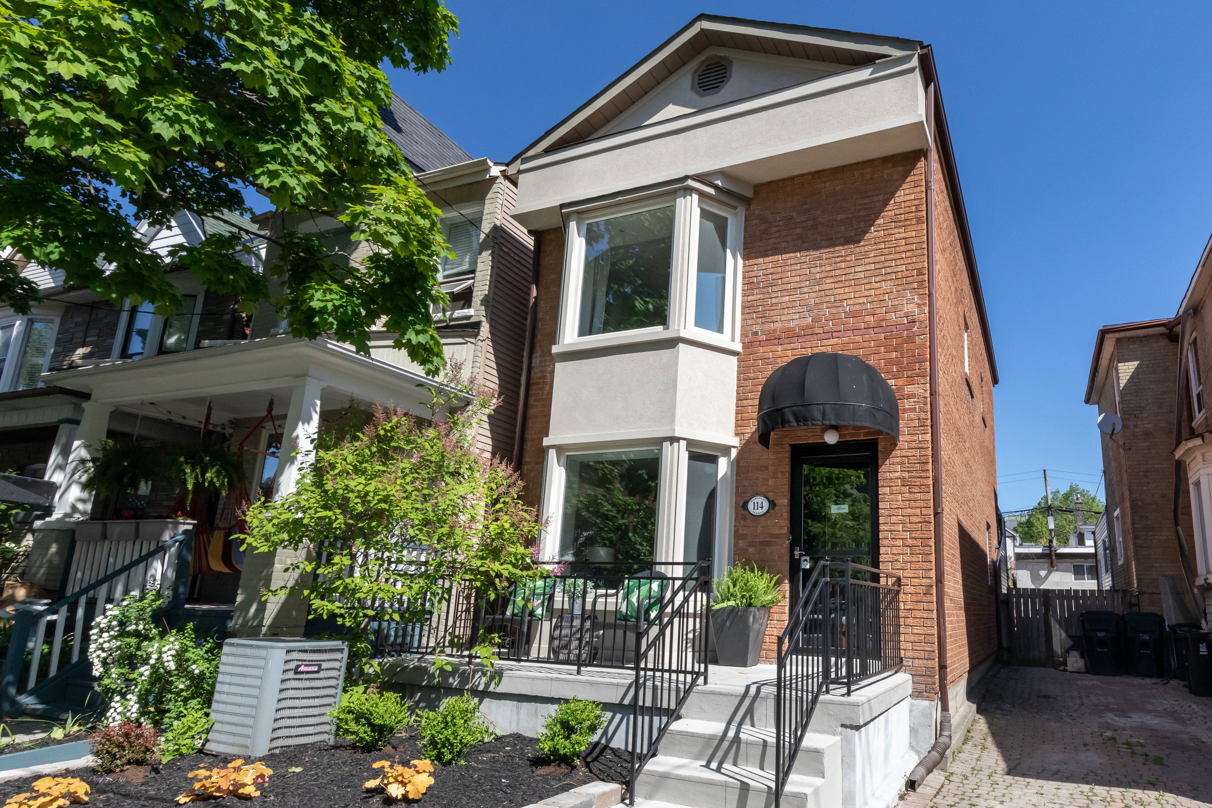 SOLD! 114 Harcourt Ave