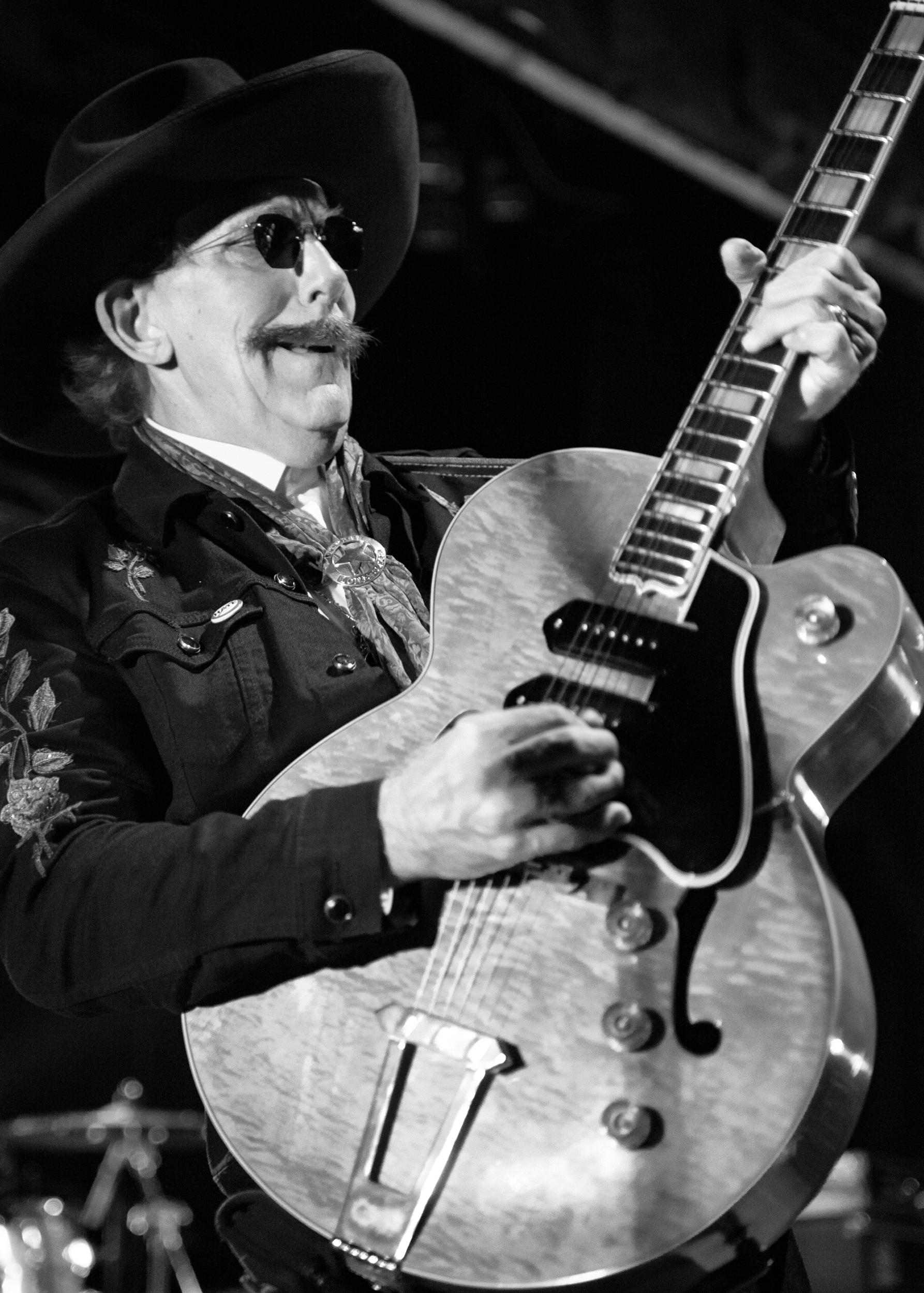 Lightnin' Willie