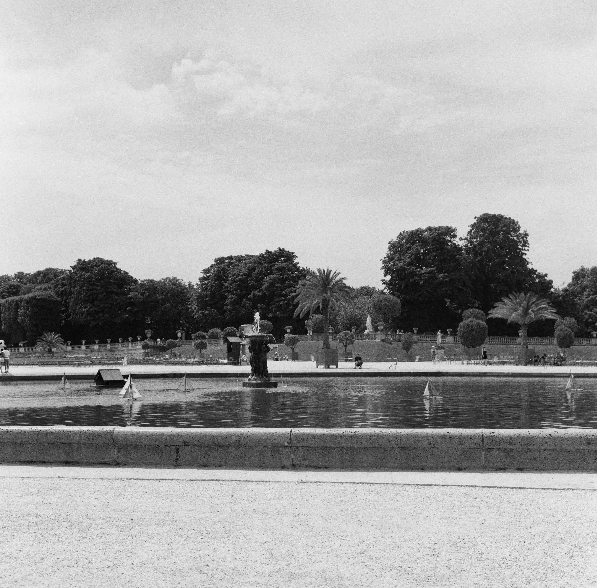 Toy boats in the fountain (2019) Jardin  du Luxembourg
