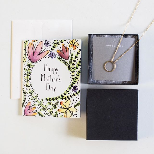 It's a GIVEAWAY! Mother's Day is NEXT Sunday, May 12th! We are teaming up with @HannahBloomCo to help you snag a gift just in time with this #GIVEAWAY !!! Enter to win this gold Open Circle necklace and floral card and all the #favoritechild points.  Instructions to enter: ☑️Like this post ☑️Follow both @noble.grey and @hannahbloomco ☑️Tag a friend! Each tag gets you an additional entry  Closes Tuesday May 7th at 8am CST. Winner will be announced here. Items will ship May 7 (be ready to provide your address quickly so we can ship quickly) and arrive in time for Mother's Day.