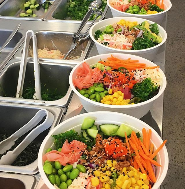 Poki Time bowls in preparation!! Choose from our signature bowls options or BYOB (build your own bowl) #pokitimeau #pokibowl #melbournefood #hawthorn #swinburne #freshness #bloggers #foodie #urbanlisted #broadsheetmelb #heraldsun #poke #salad #lightmeal #fitnessfood