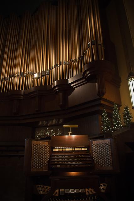 Lied Chancel Organ