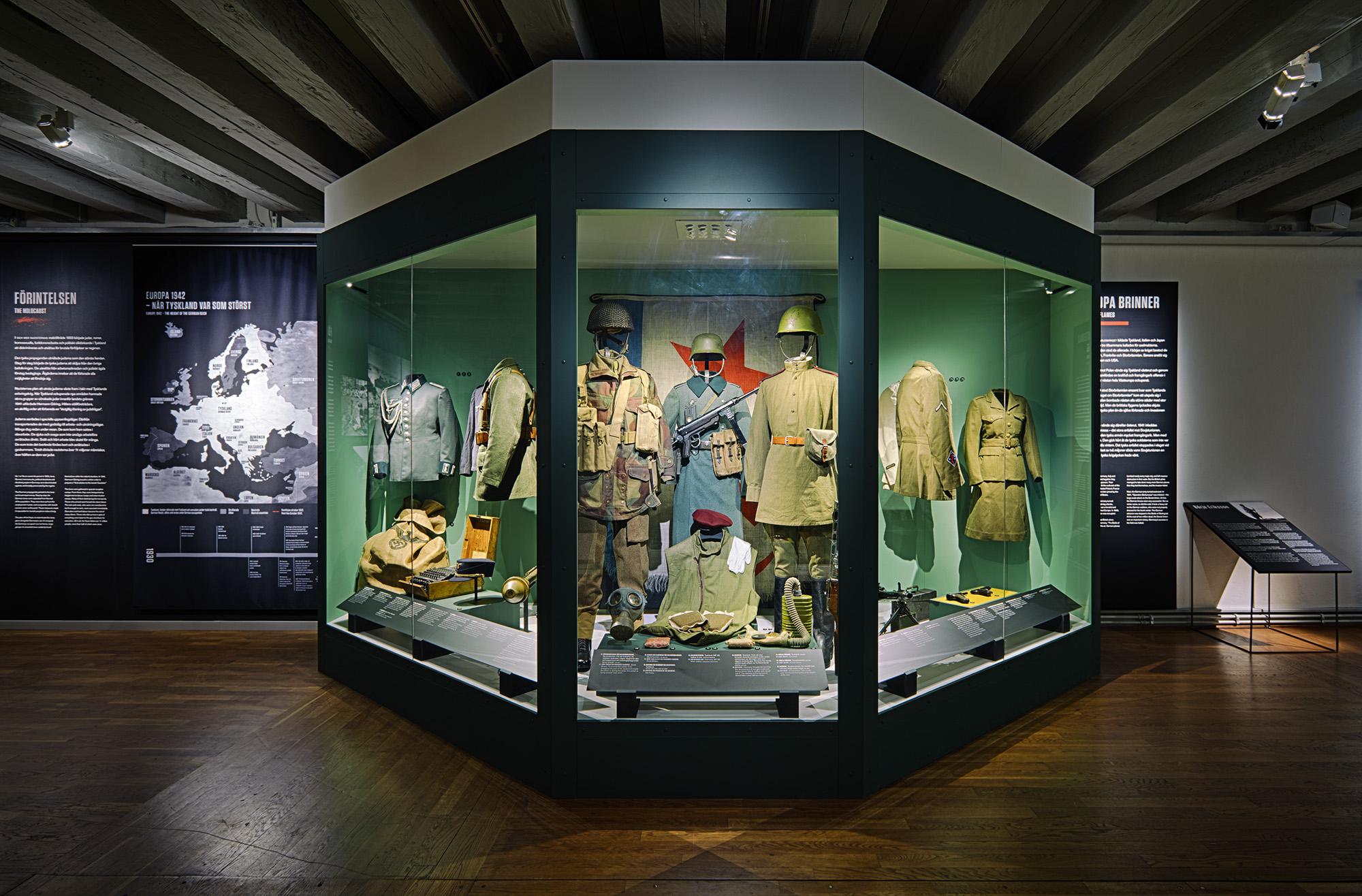 Krig och Fred 1900-2010  ARMÉMUSEUM