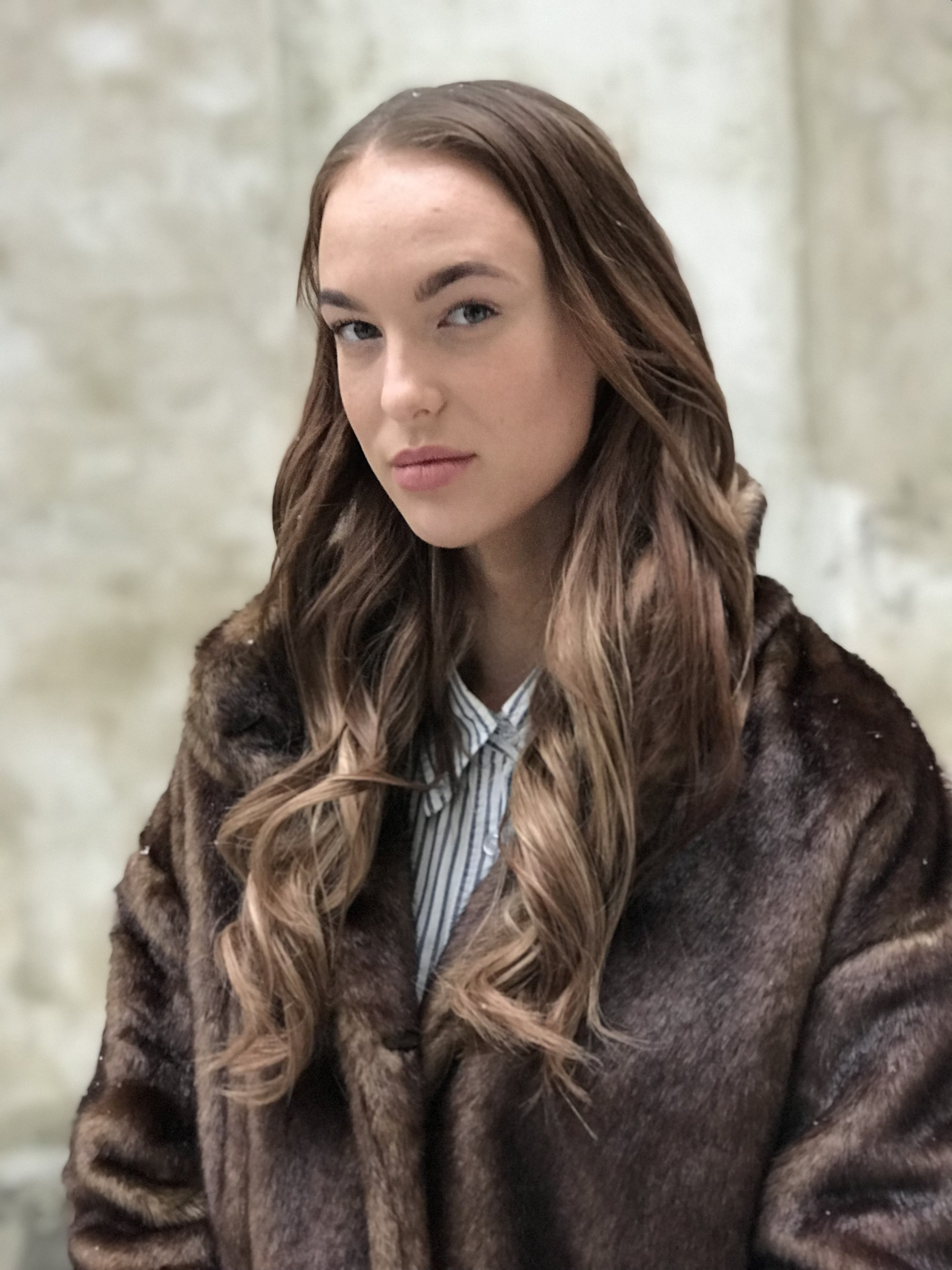 Natural brown ombre/balayage med Mood Hair Extensions. Krøllet med ghd platinum