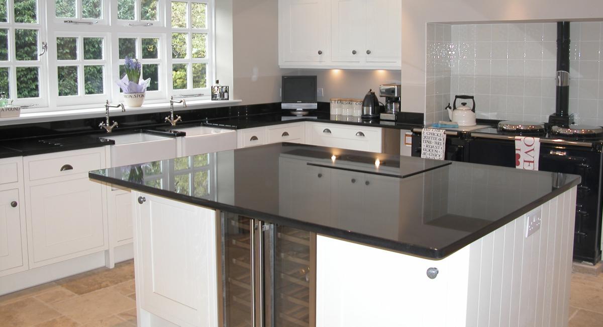 Kitchen-black-white.jpg