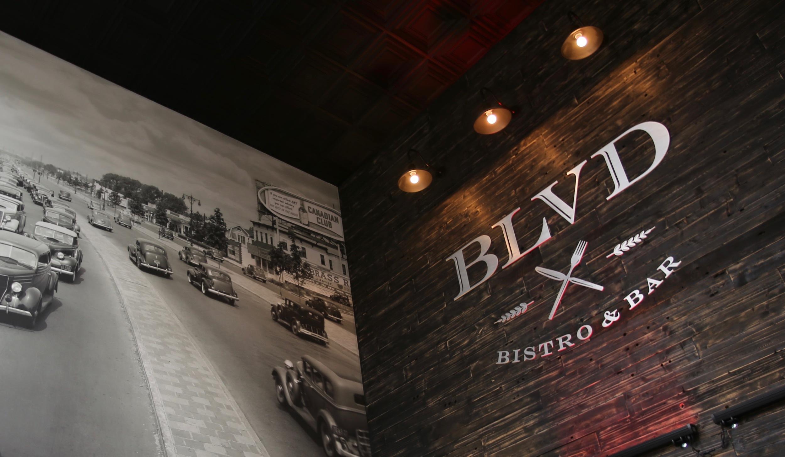 Wyndham Garden LaGuardia South BLVD Bistro & Bar