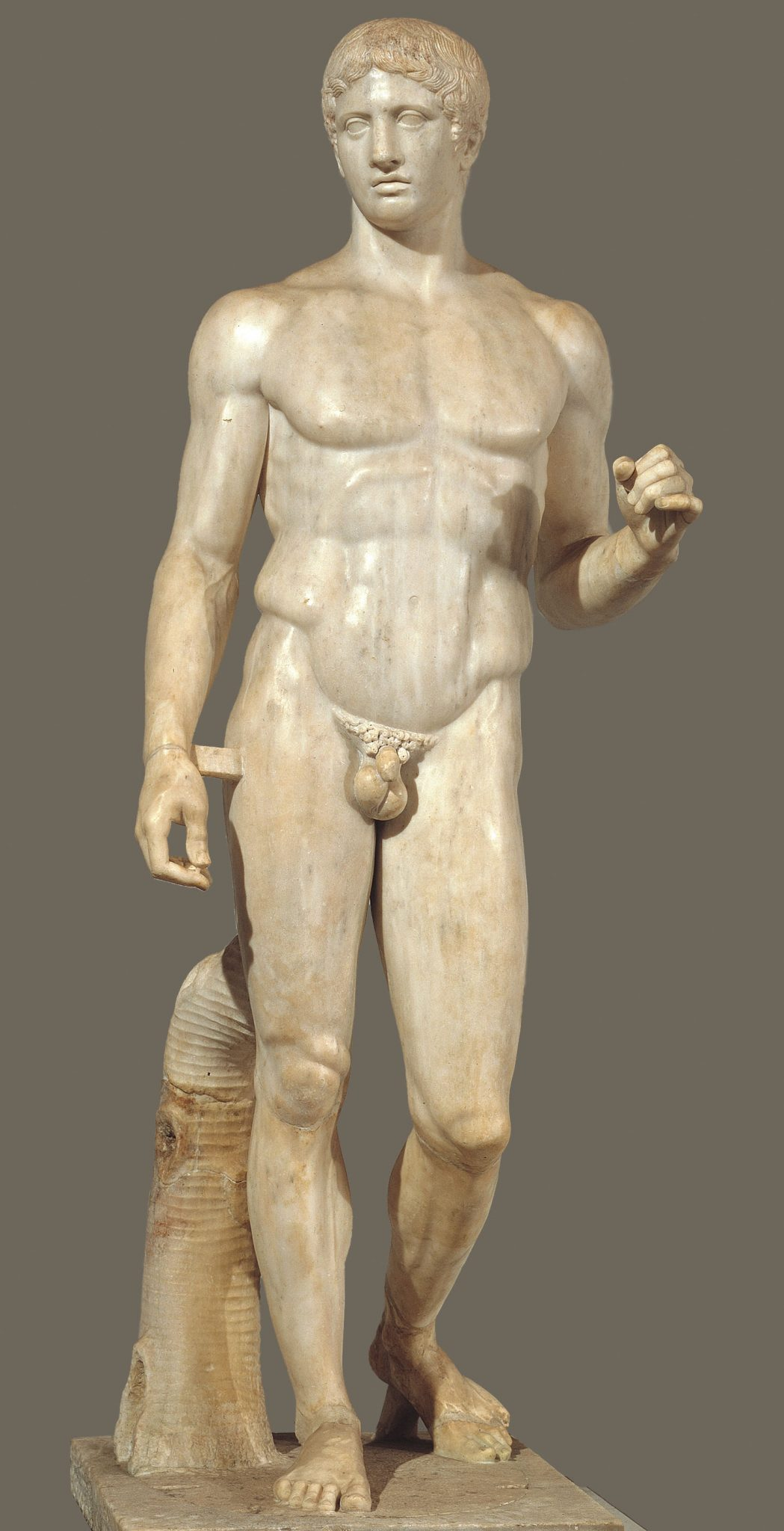 Statue of Polykleitos' Doryphoros (Girl, look at that body)