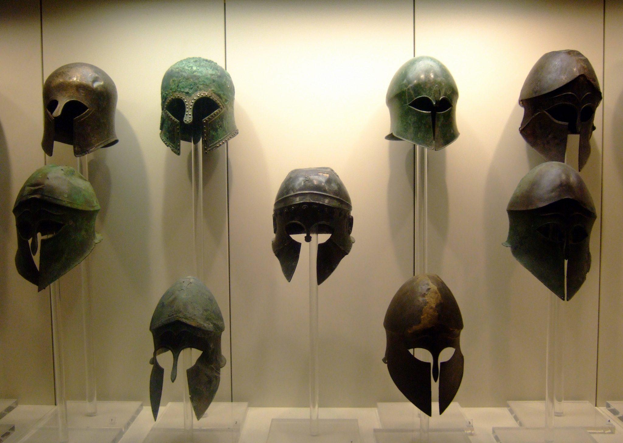 Ancient_Greek_helmets.jpg