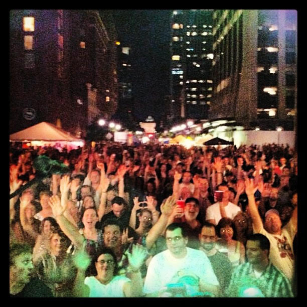 Oak City 7 / Pickin' in the Plaza