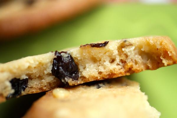 rum raisin cookies @talkoftomatoes
