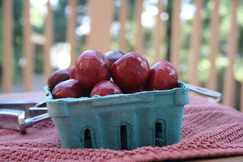 pint of cherries