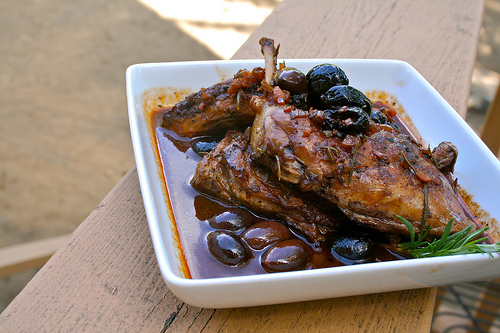 rabbit with olives www.talkoftomatoes.com