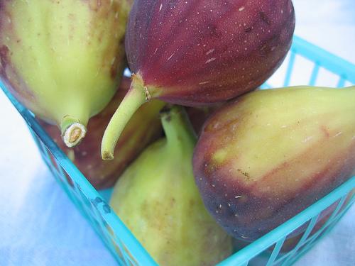 figs in basket