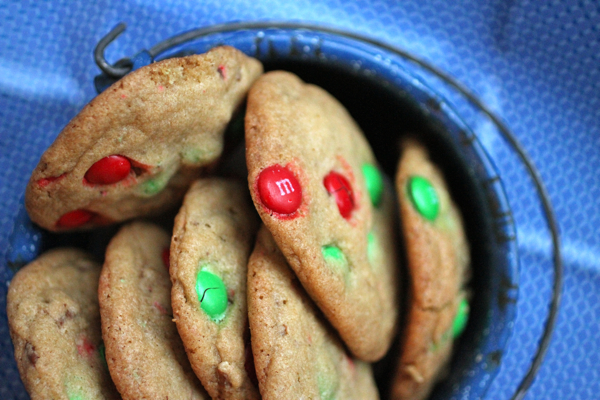 m 'n' m cookies recipe with pecans | talkoftomatoes.com