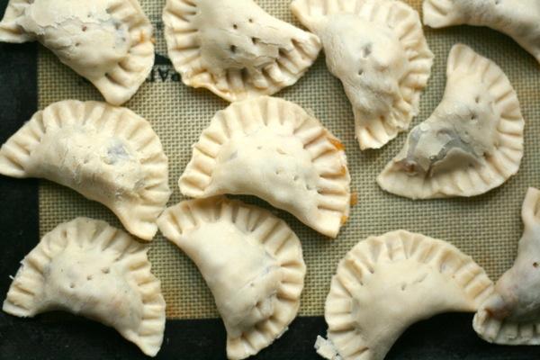 apple raisin hand pies @talkoftomatoes