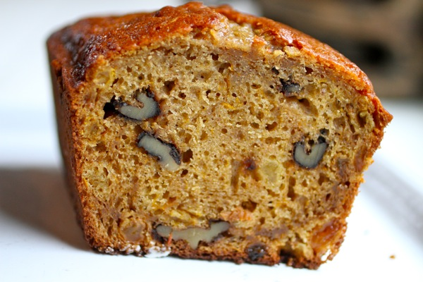 pumpkin bread recipe with raisins www.talkoftomatoes.com