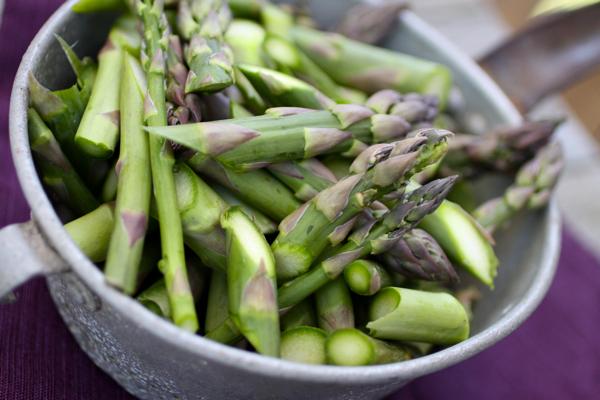 asparagus @talkoftomatoes