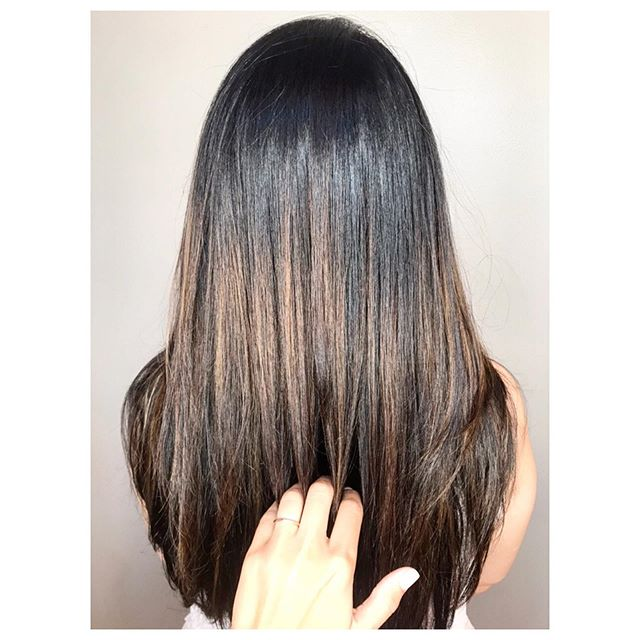 Blended & Sun Kissed HL ☀️ Color- Nicolette •  Cut- @jrhairbyjennireynolds