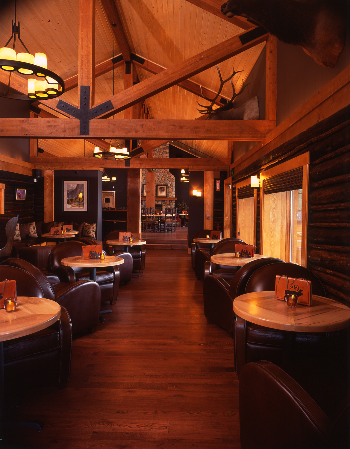 wyoming, wood, lake, lodge, leather, seating, dining room, rich textures, warm tone, rustic, western