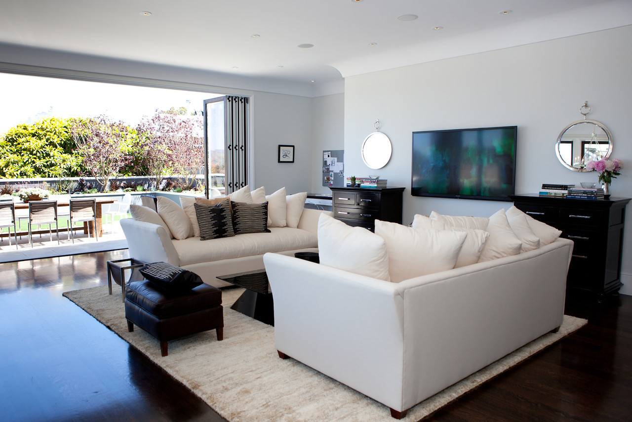 living room, modern living, cozy, open floor plan, white couches, beachy