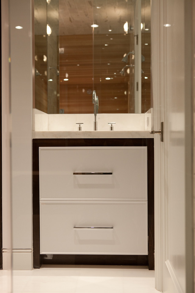 modern, bright, bathroom, vanity, sink, faucet