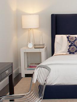 modern, chandelier, bright, san francisco homes, bedroom, bedside table, bedside lamp, textures, details, lighting, white