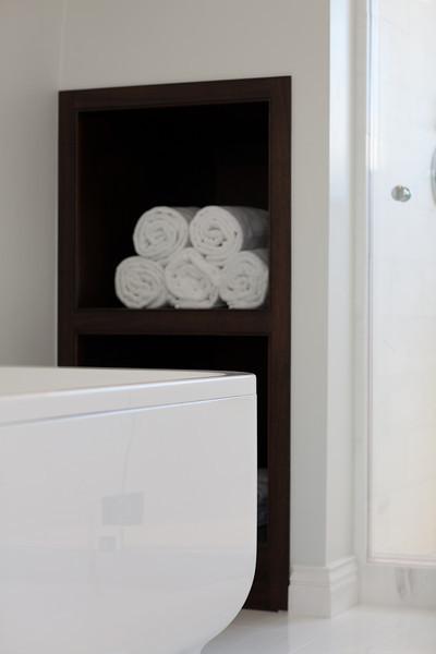 modern bath, towel storage