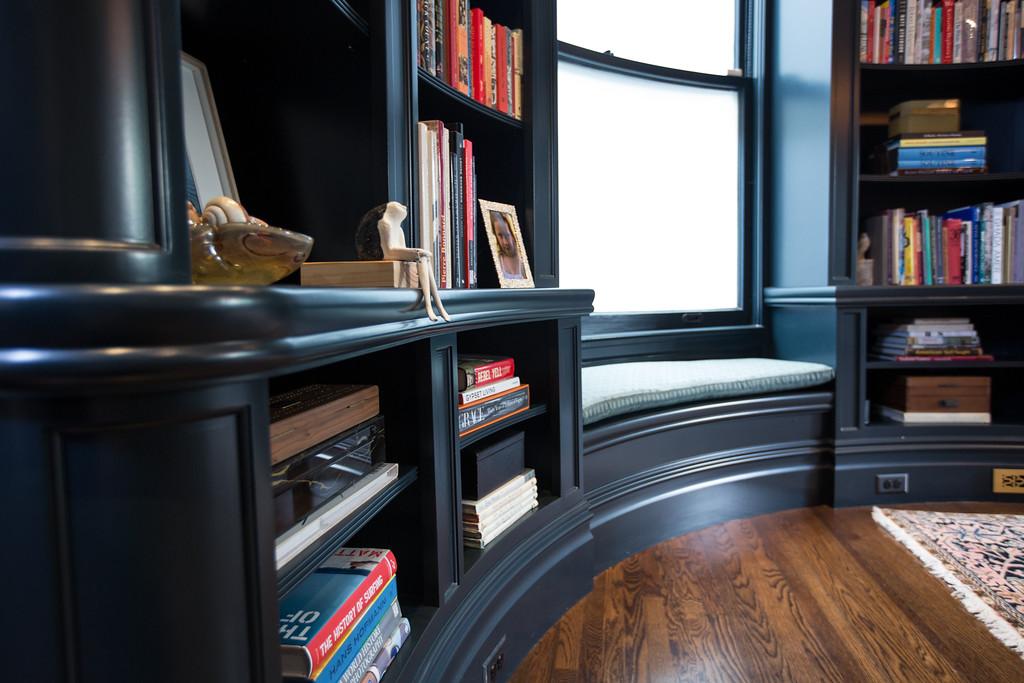details, library, benjamin moore, classic, san francisco, dark blue cabinetry, dark blue shelving