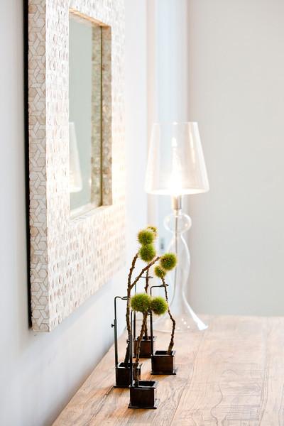 detail, dresser, accessories, decor, decorate, mirror, lamp, lighting