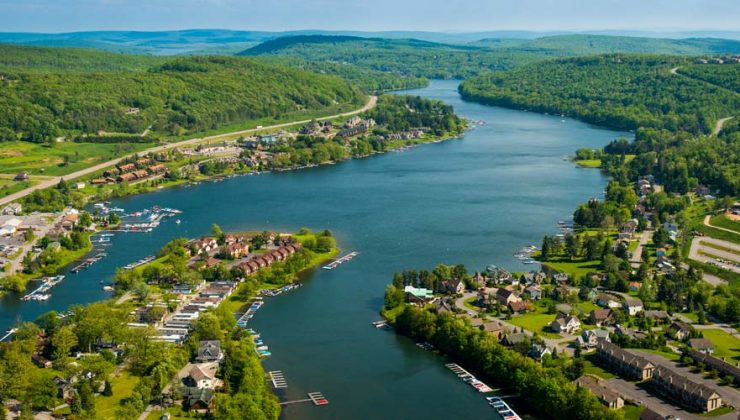 Deep Creek Lake, the scene of a thwarted mussel invasion -- from http://paradiseridgehoa.com/