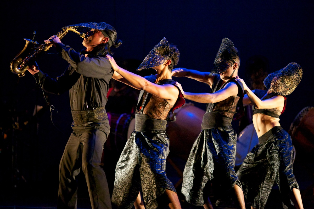 Brenda-Wong-Aoki_Mark-Izu_MU_performance-23_1200.jpg