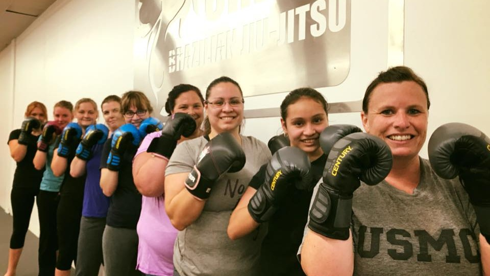 womens+kickboxing.jpg