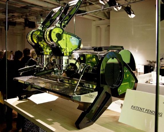 La_Curva_Espresso_Machine_Prototype.jpg