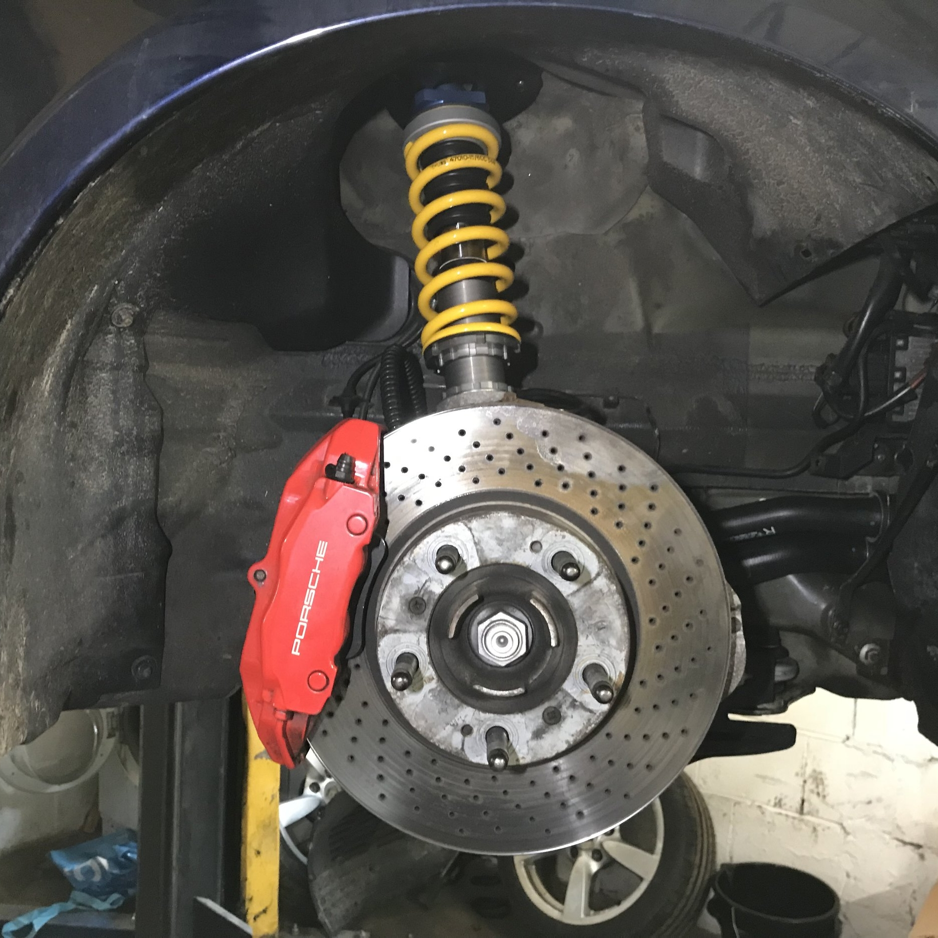 Ohlins Road & Track - Ohlins Road & Track dampers with DFV technology are perfect for a fast road 987 Cayman. Custom springs are fitted to optimise them for both fast-road use and trackdays.