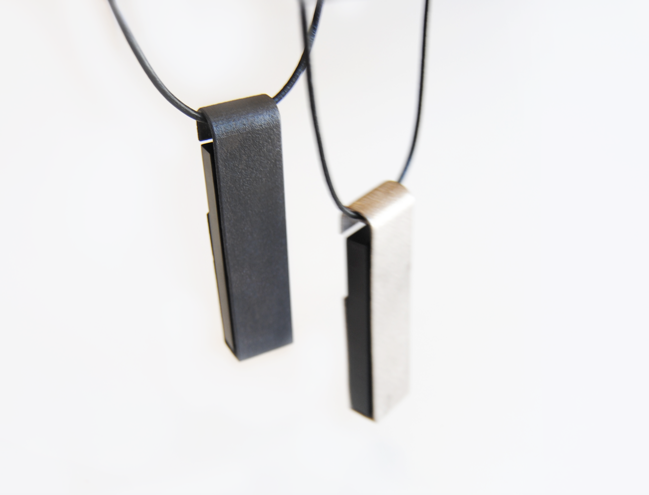 The Omura Pendant set comes with a Ledger Nano S.  Customize the pendant with an engraving on the back!