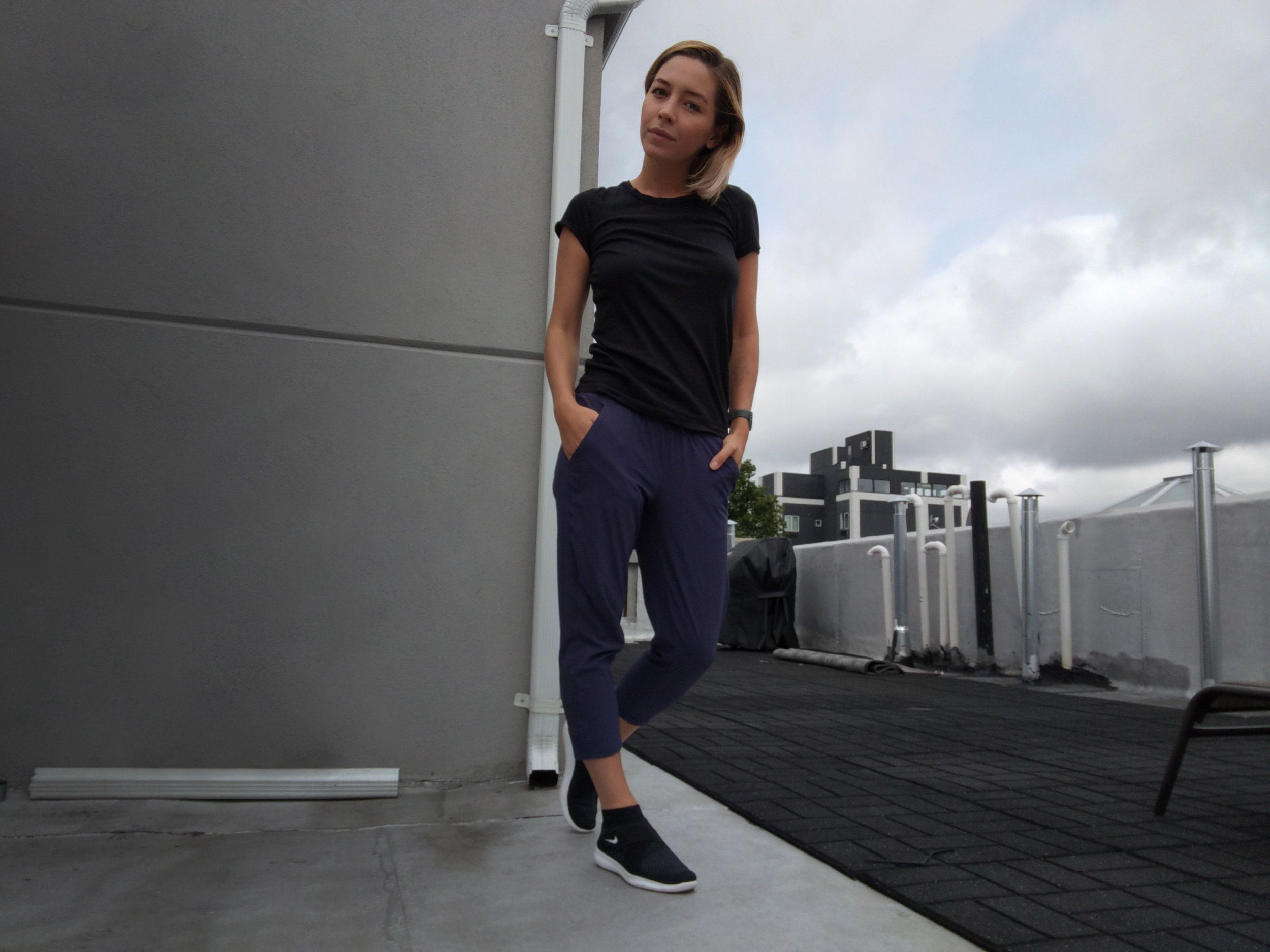 leanne-luce-wearing-nike-and-black-tee-on-roof-deck-fashion-blogger.jpg