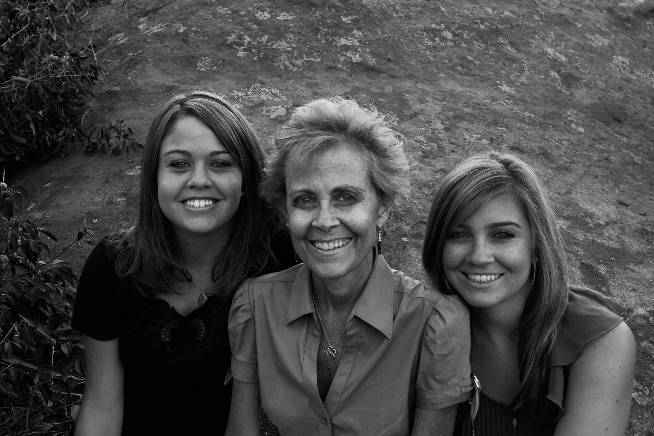 Fall 2009 - Cassie, Pam, and Lexie