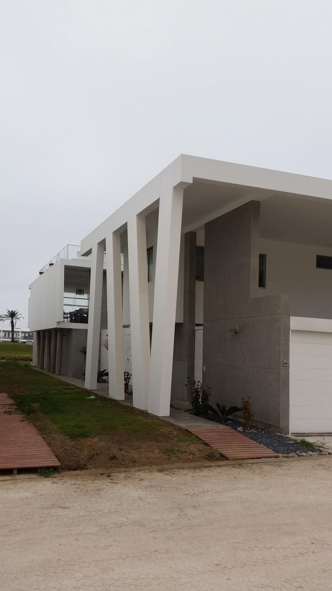 Diego del Castillo - oaudarq - casa de playa EC (11).jpg