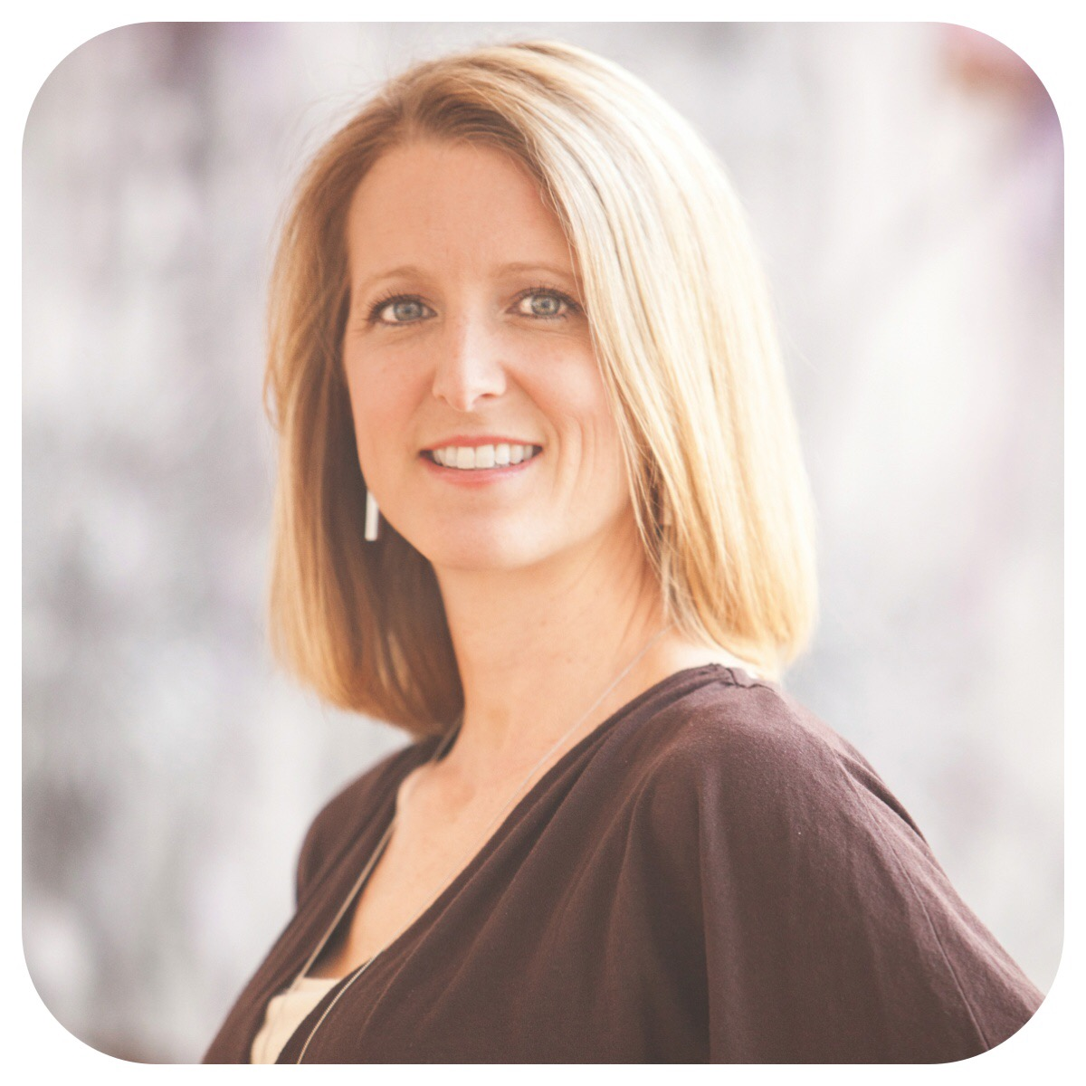 Healthy Living Now - Carolyn Coffin - Contributors - Meet Our Team