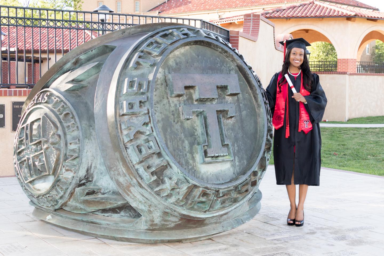 Nia Pierce Graduation Pics-1328-Web.jpg