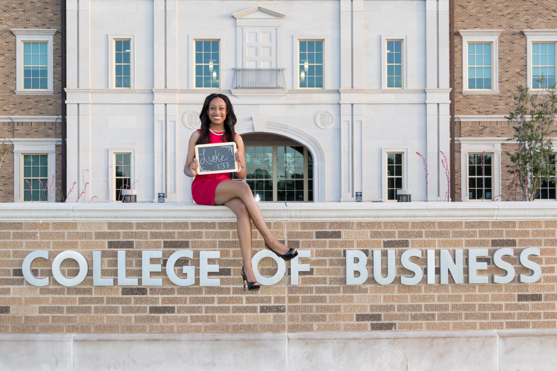 Nia Pierce Graduation Pics-1358-Web.jpg