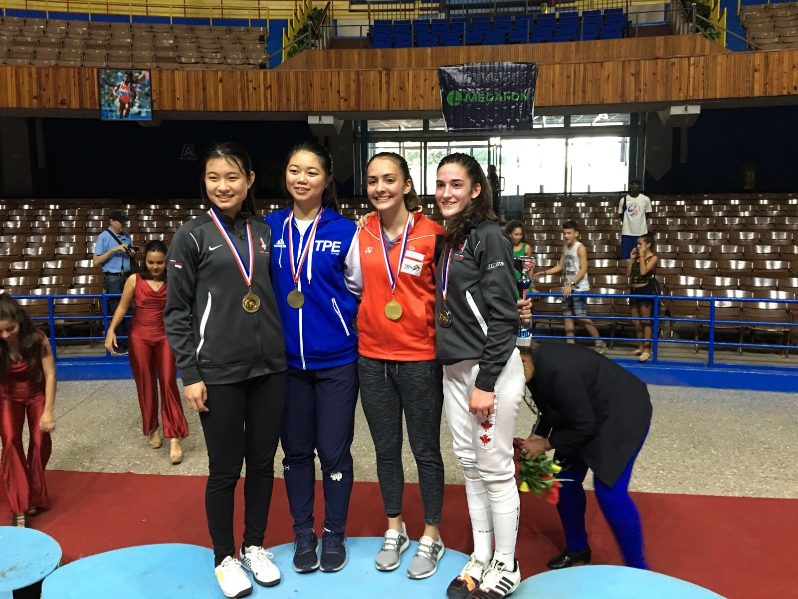 In photo, from left to right: Ying CAO (CAN), Xiao-Qing Tsai (TPE), Amita Berthier (SGP),Naomi MOINDROT-ZILLIOX (CAN). Congratulations to the medallists!