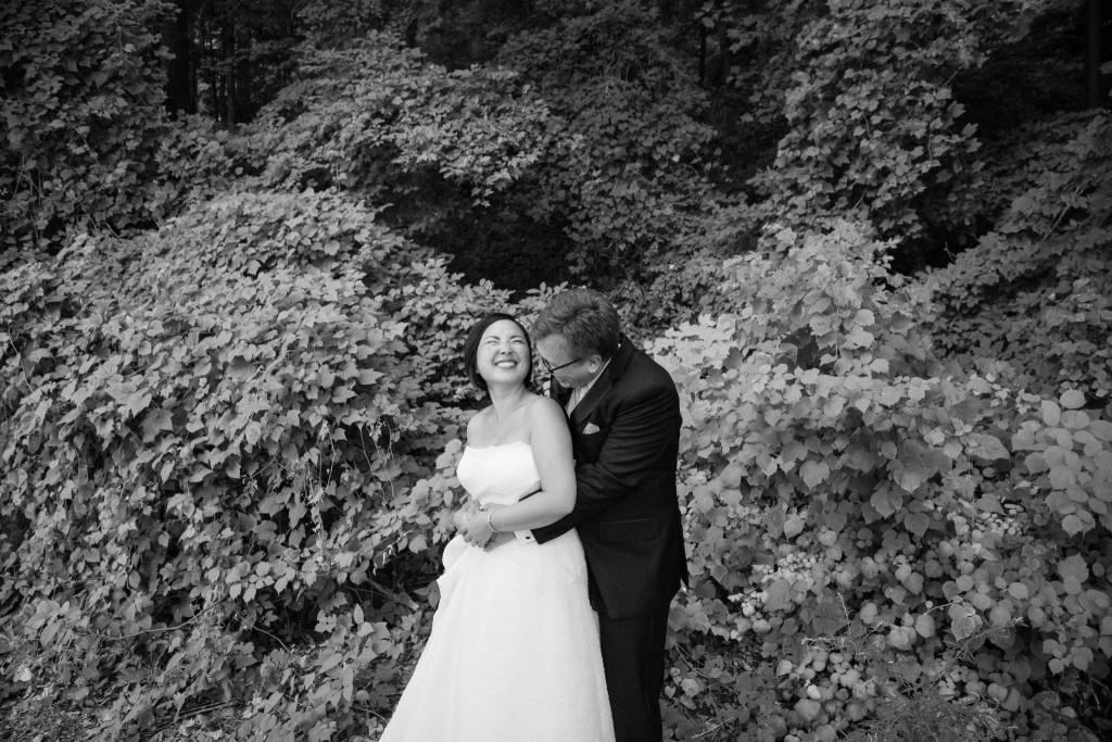 laughing-wedding-photos-the-foundry-wedding-ny-1024x683.jpg